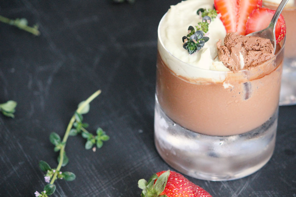 paleo-chocolate-mousse-with-lemon-thyme-cream-2